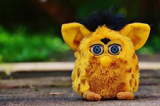 žlutý Furby.jpg