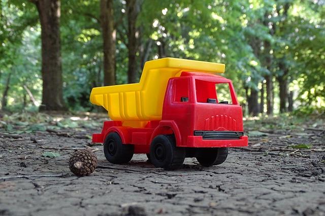 nákladní automobil hračka